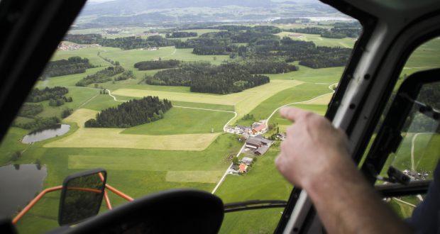 Wiosenny lot nad malowniczą Warszawą